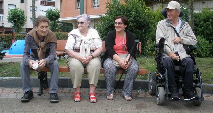 Excursión a Orio de la Residencia de personas mayores Santiago de Villabona