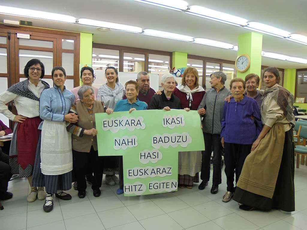 Día Internacional del Euskera 2019 en el Centro de Día de Personas Mayores de Arrasate