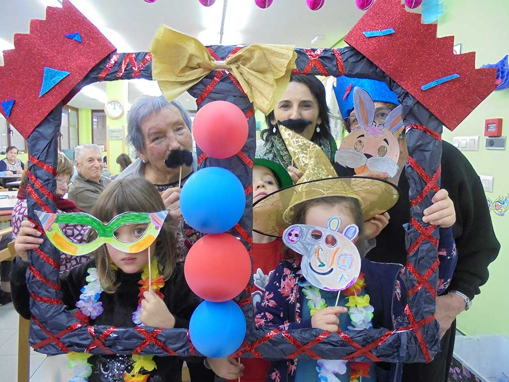 Carnaval en el centro de Día de mayores Aita Menni de Arrasate