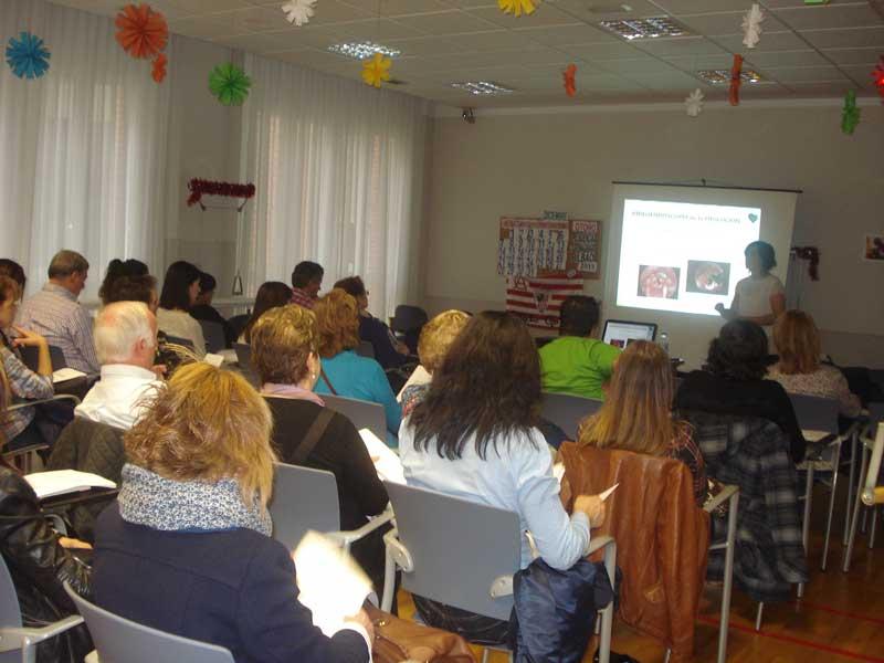 Curso sobre disfagia en la Residencia Txurdinagabarri de personas mayores