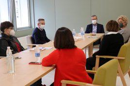 Reunión entre la Diputación de Gipuzkoa y Aita Menni en el Hospital de Eibar