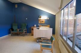 Habitación individual en la Residencia de Personas Mayores Aita Menni de Arrasate