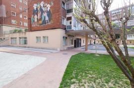 Exterior del Centro de Día de la Tercera Edad Aita Menni de Deusto (Bilbao)