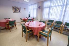 Zona de comedor del Centro de Día de ancianos Aita Menni de Deusto (Bilbao)