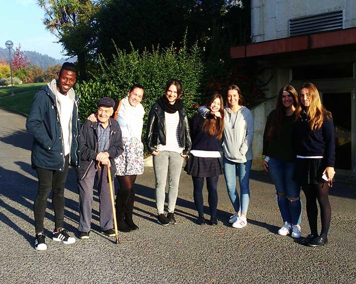 La Residencia Txurdinagabarri pone en marcha de nuevo el Programa Intergeneracional con Begoñazpi y Urdaneta