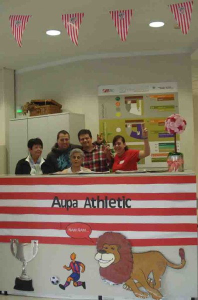 La residencia de personas mayores Txurdinagabarri, con el Athletic
