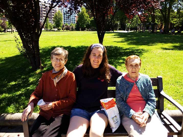 Personas mayores de la Residencia Txurdinagabarri de Bilbao