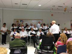 Actuación del Coro de la Asociación de Mayores Gure Kabi