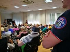 Bomberos en la Residencia y Centro de Día de la tercera edad Txurdinagabarri