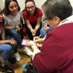 Alumnos de Integración Social en la Residencia de mayores Txurdinagabarri