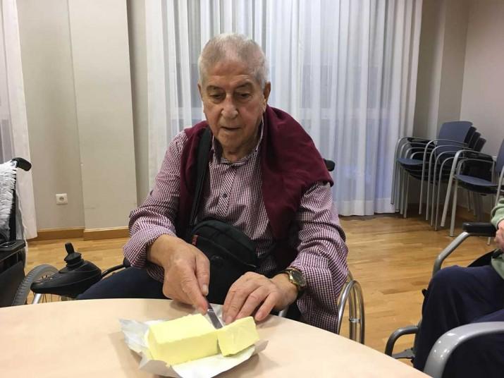 Taller de Cocina de la Residencia de personas mayores Txurdinagabarri de Bilbao