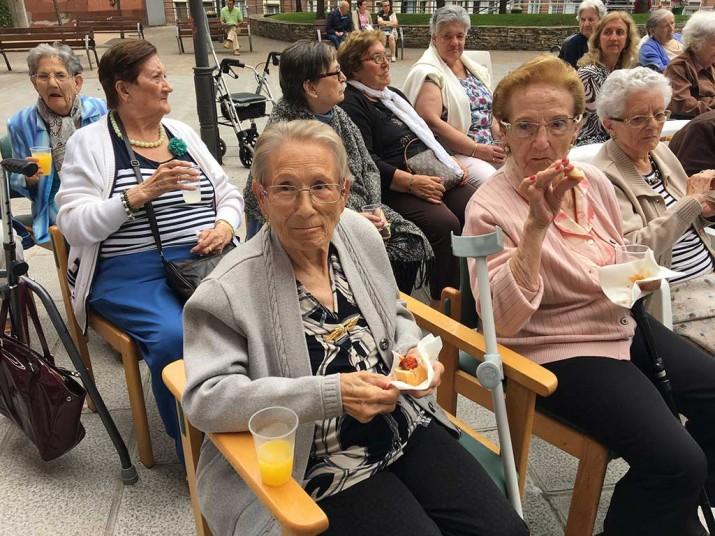 Con la Residencia de Ancianos Kirikiño de Santutxu