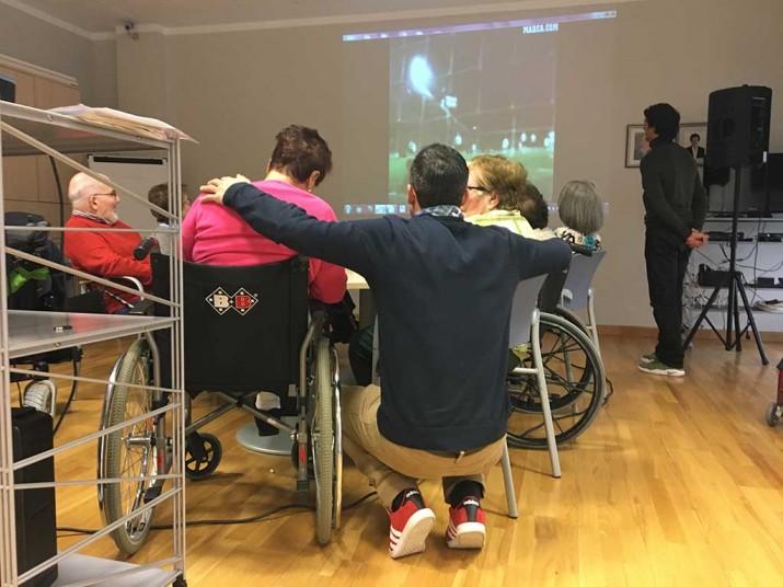 Taller de reminiscencia en la Residencia de ancianos Txurdinagabarri de Bilbao