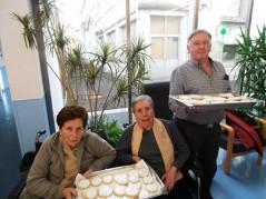 Haciendo tortas de San Blas