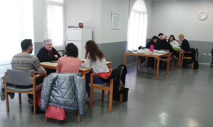 Villabonako Santiago Egoitzak belaunaldi arteko truke batean parte hartuko Tolosako Inmakulada Lanbide Ikastolako ikasleekin