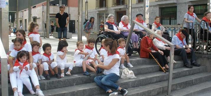 San Fermín en la Residencia de personas mayores de Villabona