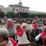 Viendo el txupinazo de Villabona