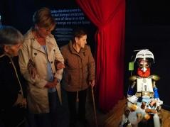 Visita de la Residencia de personas mayores Santiago de Villabona al Topic de Tolosa