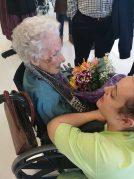 María, nueva centenaria en la Residencia Txurdinagabarri