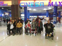 La Residencia de mayores Txurdinagabarri va al cine