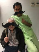 La Residencia de mayores Txurdinagabarri se suma a Movember