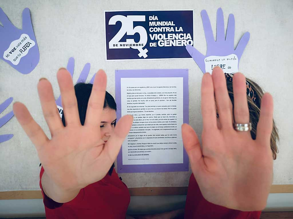 La Residencia de mayores Txurdinagabarri conmemora el Día Contra la Violencia de Género