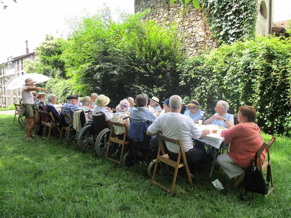 La Residencia de la Tercera Edad Santiago de Villabona, de picnic