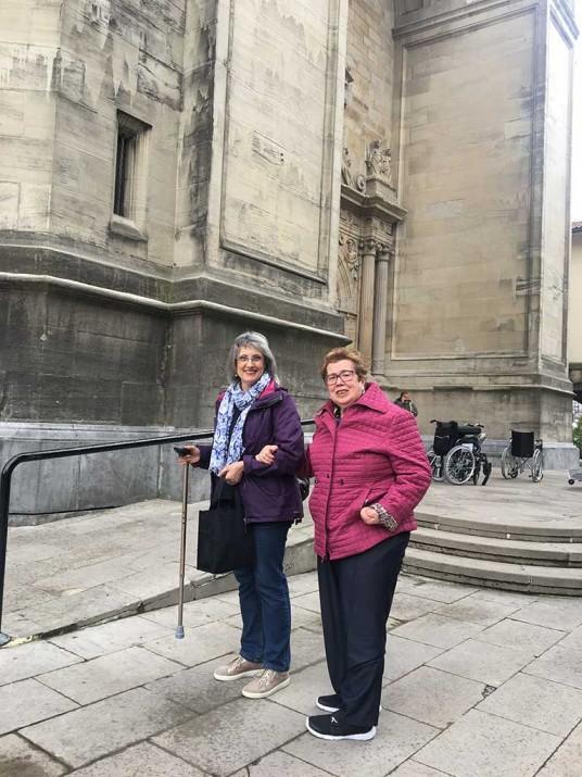 En el exterior de la Basílica de Begoña