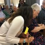 Público de la Residencia de ancianos Txurdinagabarri de Bilbao