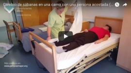 ¿Cómo cambiar las sábanas con una persona mayor o dependiente encamada?