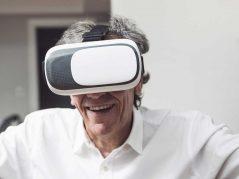 Sesión clínica sobre realidad virtual en residencias de mayores