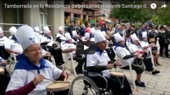 Tamborrada en la Residencia de personas mayores Santiago de Villabona