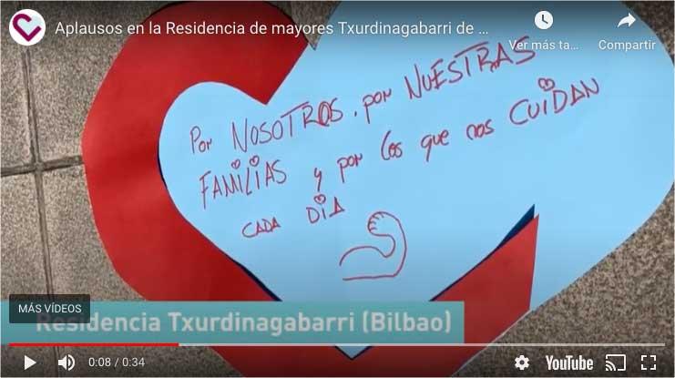 Aplausos en la Residencia Txurdinagabarri de Bilbao